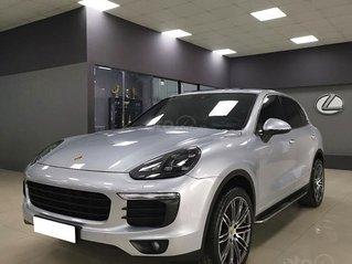 Bán Porsche Cayenne sản xuất 2016, màu bạc