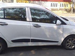 Cần bán xe Hyundai Grand i10 đời 2015, màu trắng, nhập khẩu