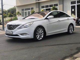 Bán Hyundai Sonata năm sản xuất 2010, màu trắng, nhập khẩu