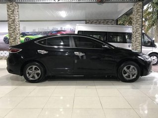 Cần bán lại xe Hyundai Elantra sản xuất 2018