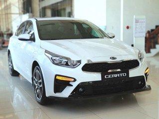 Cần bán xe Kia Cerato sản xuất 2021, xe giá thấp, động cơ ổn định