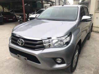 Bán Toyota Hilux sản xuất năm 2017, xe chính chủ còn mới