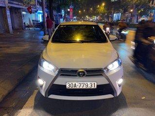 Cần bán gấp Toyota Yaris sản xuất năm 2015, xe nhập còn mới
