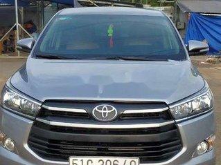 Cần bán lại xe Toyota Innova sản xuất 2017 còn mới