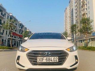 Bán xe Hyundai Elantra 2.0 đời 2017, màu trắng