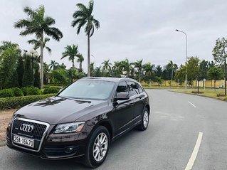 Cần bán Audi Q5 2.0 AT sản xuất năm 2010, màu nâu, xe nhập