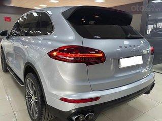 Bán Porsche Cayenne sản xuất năm 2016, màu bạc, nhập khẩu nguyên chiếc