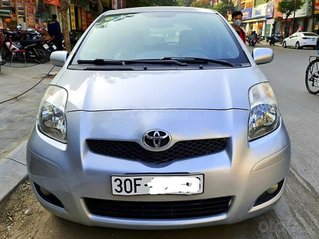 Bán xe Toyota Yaris sản xuất năm 2010, màu bạc, nhập khẩu nguyên chiếc