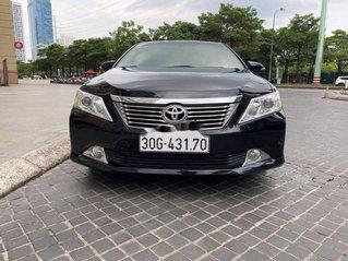 Bán Toyota Camry sản xuất 2014 còn mới, giá chỉ 715 triệu