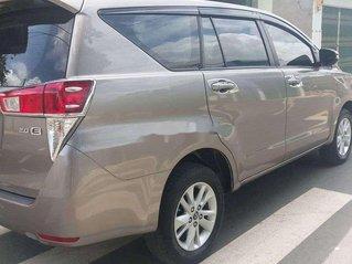 Cần bán lại xe Toyota Innova sản xuất năm 2017 còn mới