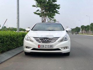 Bán Hyundai Sonata đời 2010, màu trắng, nhập khẩu còn mới, giá chỉ 468 triệu