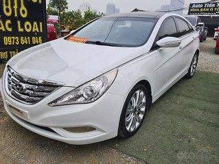 Cần bán gấp Hyundai Sonata 2.0 AT sản xuất 2011, màu trắng