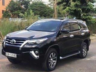 Cần bán lại xe Toyota Fortuner 2.8V đời 2018, màu đen