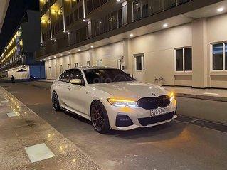 Cần bán gấp BMW 3 Series 330i Msport sản xuất 2019, màu trắng