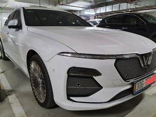 Xe VinFast LUX A2.0 năm sản xuất 2020, màu trắng