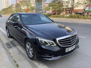 Cần bán lại xe Mercedes E200 2014, màu đen