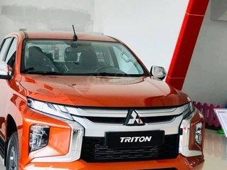 Triton 2 cầu, số tự động, màu cam, giao xe trước Tết