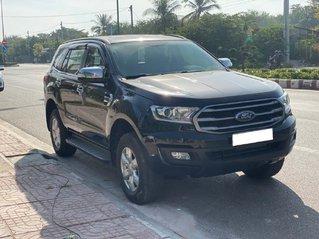 Cần bán Ford Everest đời 2019, màu đen còn mới, 885tr