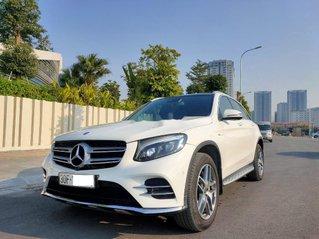 Xe Mercedes GLC 300 năm sản xuất 2017, xe chính chủ giá thấp