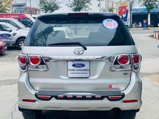 Cần bán xe Toyota Fortuner 2015, màu bạc, 668tr