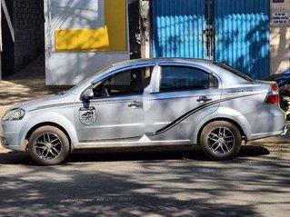 Cần bán Chevrolet Aveo đời 2011, màu bạc