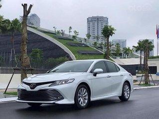 Cần bán Toyota Camry 2.0G sản xuất 2020, màu trắng, xe nhập