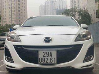 Cần bán gấp Mazda 3 1.6 AT sản xuất năm 2010, màu trắng chính chủ