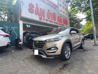Hyundai Tucson 2.0AT màu vàng cát máy xăng sản xuất 2018 xe tư nhân chính chủ đi rất ít