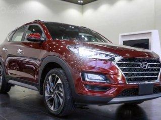 Hyundai Tucson ưu đãi 20 triệu, full bộ phụ kiện, xe đủ màu giao ngay chạy tết