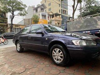 gđ bán Toyota Camry 2.2  giấy tờ Lào