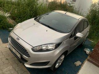 Xe Ford Fiesta đăng ký 2015, màu bạc xe gia đình giá 348 triệu đồng