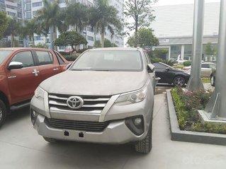 Bán Toyota Fortuner đời 2021, màu xám, giá 995tr