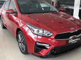 Kia Cerato 2021 - Bản tiêu chuẩn màu đỏ - Xe có sẵn giao ngay - Giảm giá tiền mặt