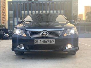 Cần bán gấp Toyota Camry 2.0E năm 2013, giá cạnh tranh, biển Hà Nội