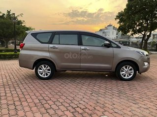 Bán Toyota Innova 2.0E năm sản xuất 2018, màu nâu