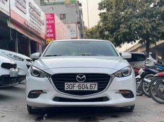 Cần bán ô tô Mazda 3 Facelift 2018, màu trắng, giá tốt