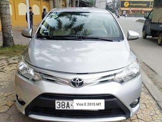 Cần bán gấp Toyota Vios năm sản xuất 2015