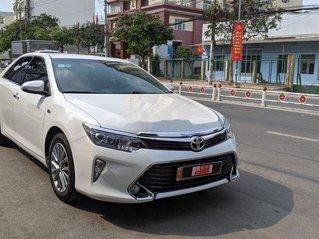 Bán Toyota Camry 2.5Q sản xuất 2019, xe giá thấp