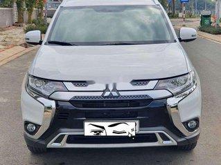 Cần bán lại xe Mitsubishi Outlander sản xuất năm 2020, giá 800tr