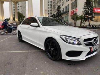 Cần bán xe Mercedes C250 AMG sản xuất 2015, màu trắng, giá bay nhanh