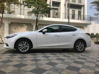 Bán gấp xe Mazda 3 sản xuất 2019, màu trắng siêu lướt