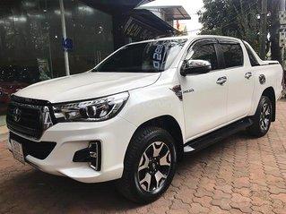 Cần bán xe Toyota Hilux năm sản xuất 2019, màu trắng, xe nhập