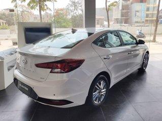 Khuyến mãi cực lớn - Hyundai Elantra 2021 - giá hời mùa Covid
