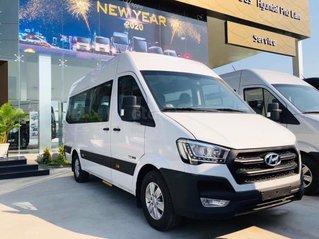 Hyundai Solati ghế U mới 100%, giá cạnh tranh