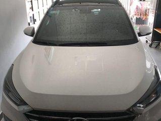 Bán xe Hyundai Tucson 2019, màu trắng, giá chỉ 850 triệu