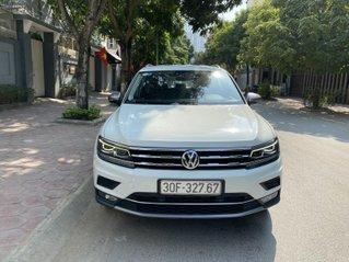 Xe Volkswagen Tiguan đăng ký lần đầu 2019 màu trắng, xe gia đình