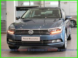 [Volkswagen Trường Chinh ] Sau tết xe Đức ưu đãi trước bạ sốc 180tr + phụ kiện cho Pasat Bluemotion màu xanh LH Mr Thuận