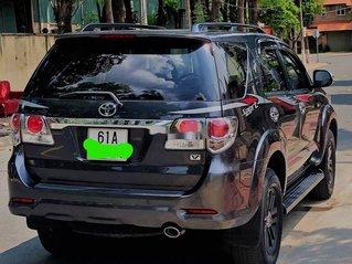 Cần bán lại xe Toyota Fortuner đời 2014, màu đen