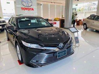 Xe Toyota Camry 2021 ưu đãi cực kì hấp dẫn tháng khai xuân đầu năm