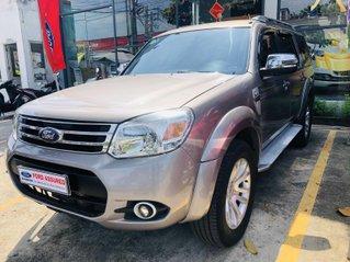 Bán xe Ford Everest đăng ký lần đầu 2013, màu Hồng mới 95% giá chỉ 520 triệu đồng